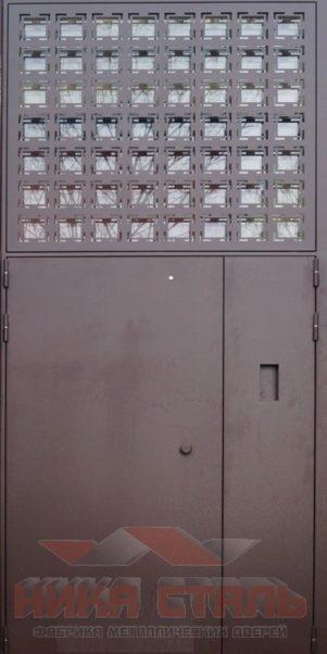 дверь в подъезд со стеклом