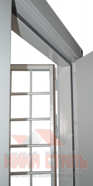Дверь КХНС 2 с решеткой