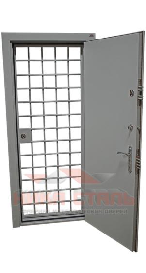 Дверь КХН с решеткой