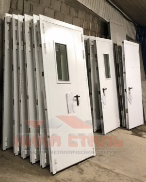 Двери из оцинкованной стали
