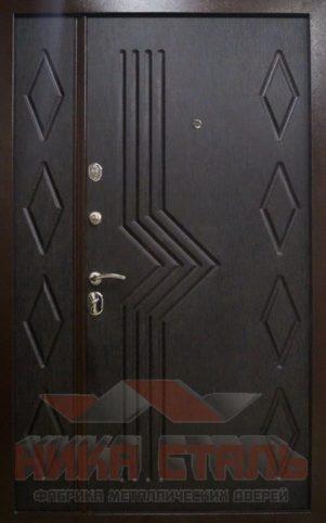 Тамбурная дверь на лестничную площадку