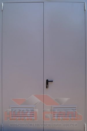 Двупольная техническая дверь в трансформаторную