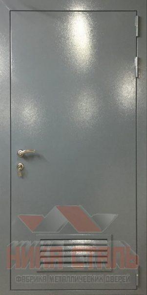 Дверь в котельную с вентиляцией