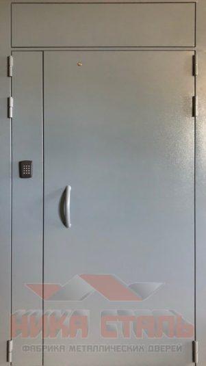 Железная дверь в подъезд
