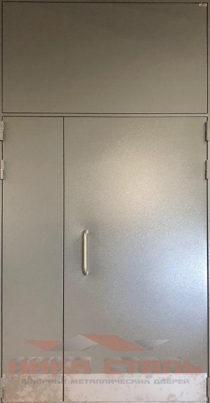 Дверь в подъезд многоквартирного дома