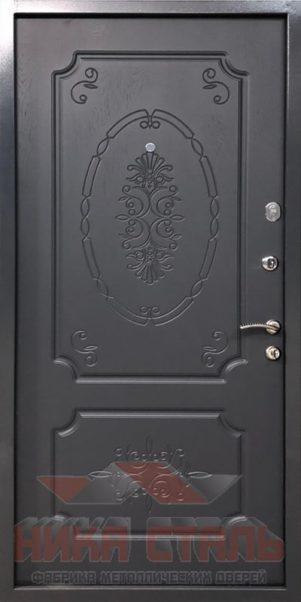 Серая дверь в квартиру